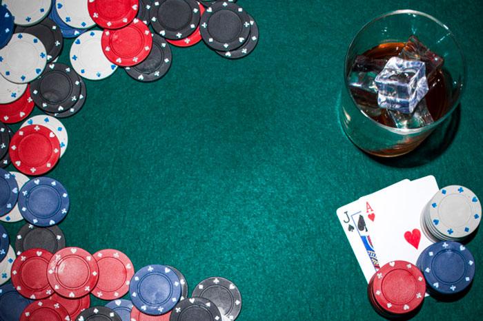 Raih Keuntungan Dengan Bermain Poker Online